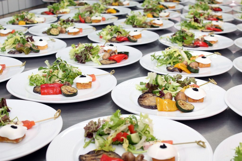 Plated Meals Versus Buffets
